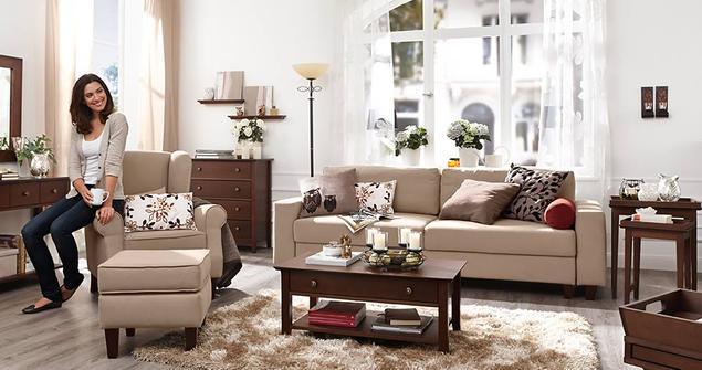 Aranżacje salonu. Klasyczny salon i dekoracyjne dodatki do salonu