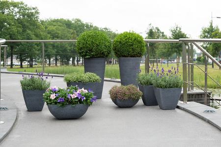 Zewnętrzne donice ogrodowe plastikowe Universal, Polyplanter TER STEEGE