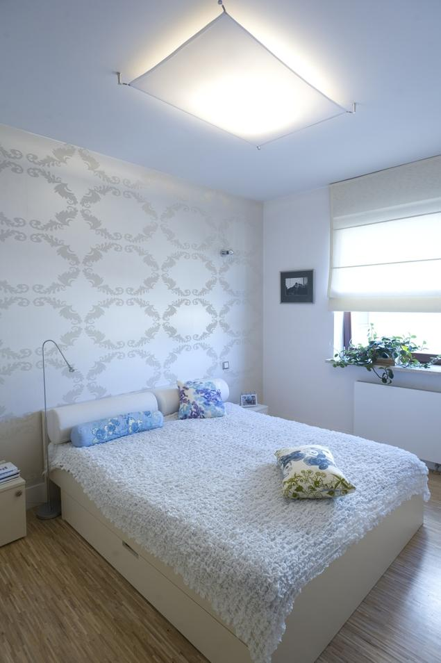 Biała sypialnia. Minimalistyczne aranżacje sypialni
