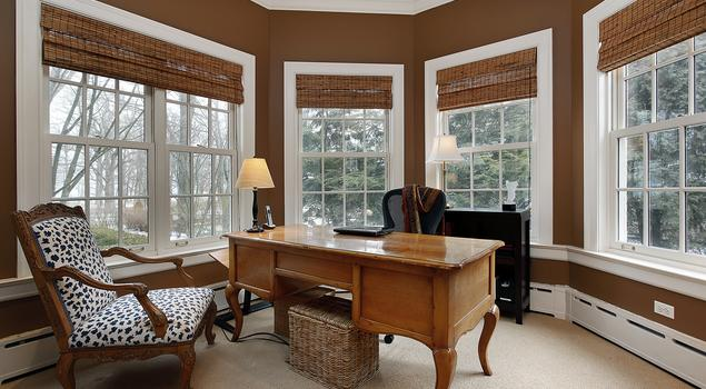 Jak urządzić domowe biuro? Piękny gabinet w domu