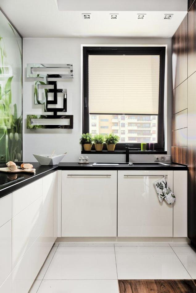 Zobacz galerię zdjęć Wiosenna aranżacja kuchni białe meble kuchenne  Stron   -> Kuchnia Meble Biale